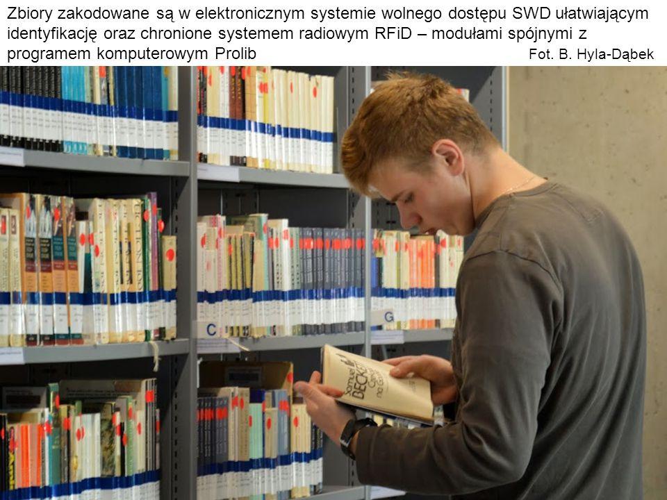 Zbiory zakodowane są w elektronicznym systemie wolnego dostępu SWD ułatwiającym identyfikację oraz chronione systemem radiowym RFiD – modułami spójnymi z programem komputerowym Prolib Fot.