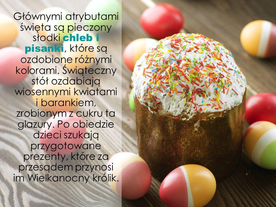 Głównymi atrybutami święta są pieczony słodki chleb i pisanki, które są ozdobione różnymi kolorami.