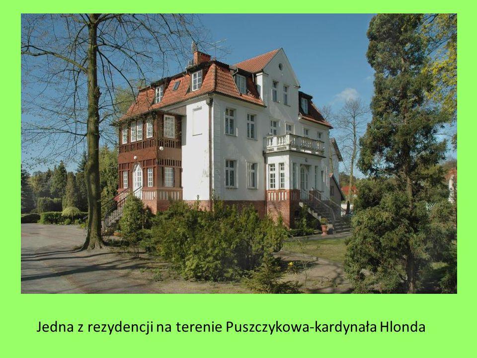 Jedna z rezydencji na terenie Puszczykowa-kardynała Hlonda