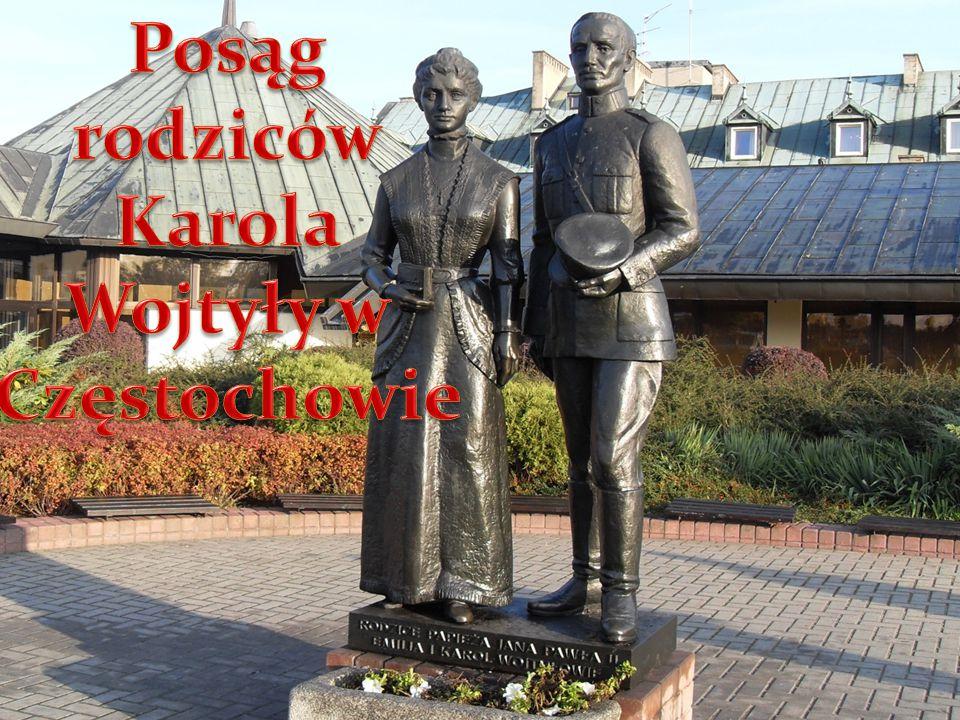 Posąg rodziców Karola Wojtyły w Częstochowie