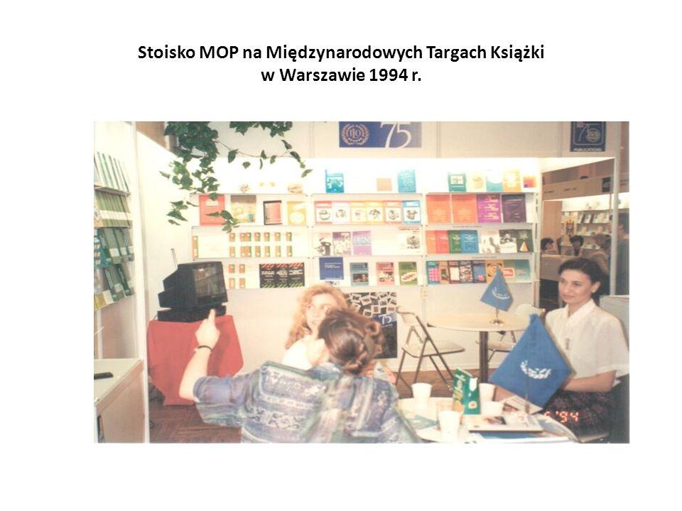 Stoisko MOP na Międzynarodowych Targach Książki w Warszawie 1994 r.