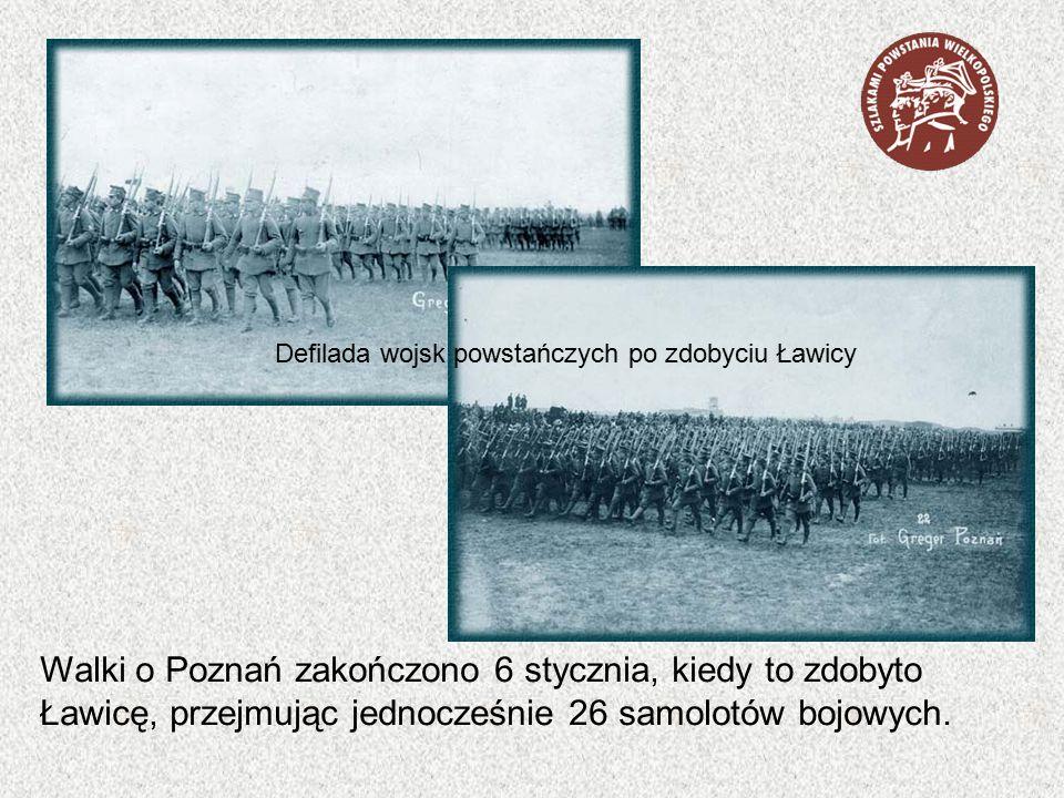 Defilada wojsk powstańczych po zdobyciu Ławicy