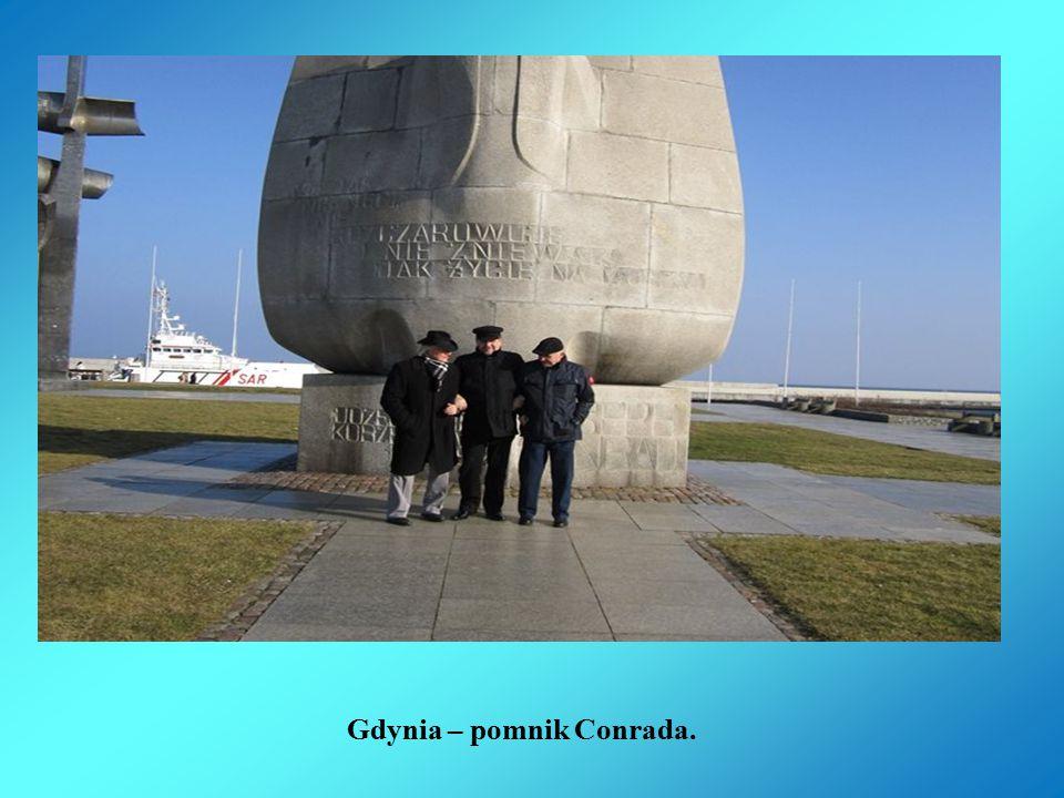 Gdynia – pomnik Conrada.