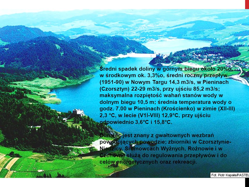 Średni spadek doliny w górnym biegu około 20%o, w środkowym ok