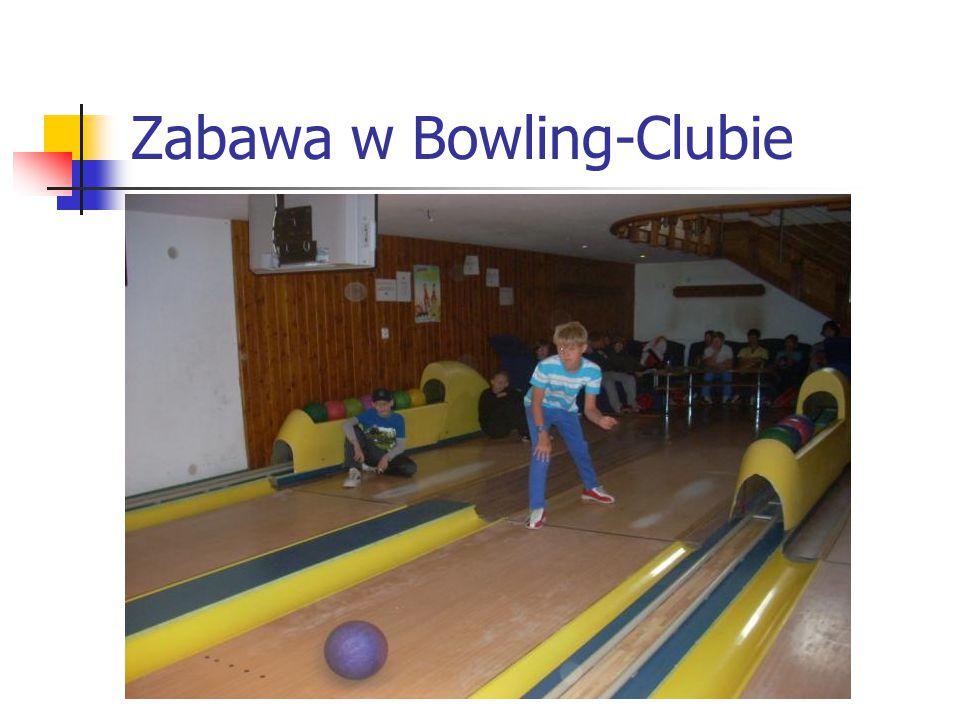 Zabawa w Bowling-Clubie