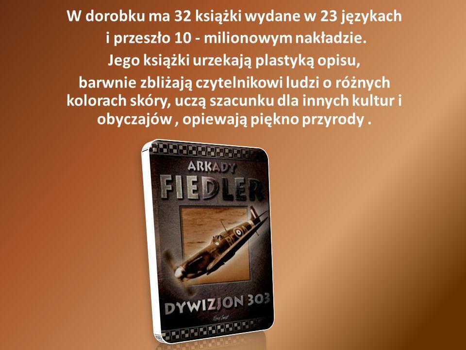 W dorobku ma 32 książki wydane w 23 językach