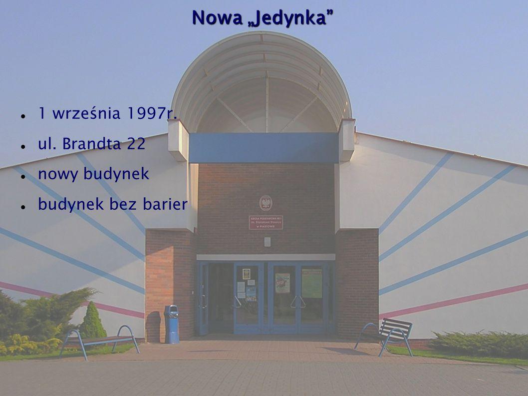 """Nowa """"Jedynka 1 września 1997r. ul. Brandta 22 nowy budynek"""