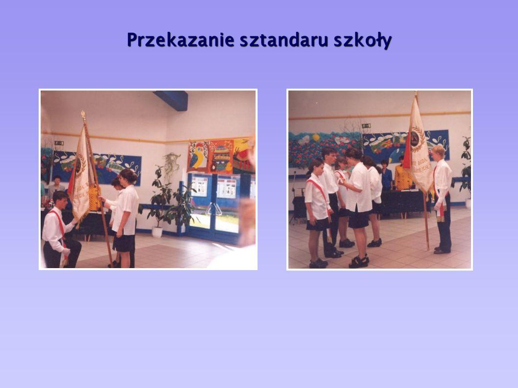 Przekazanie sztandaru szkoły