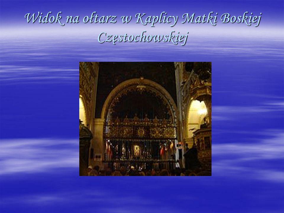 Widok na ołtarz w Kaplicy Matki Boskiej Częstochowskiej