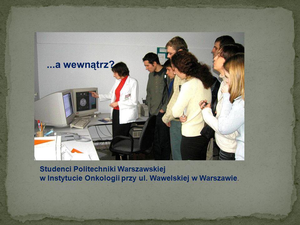 ...a wewnątrz Studenci Politechniki Warszawskiej