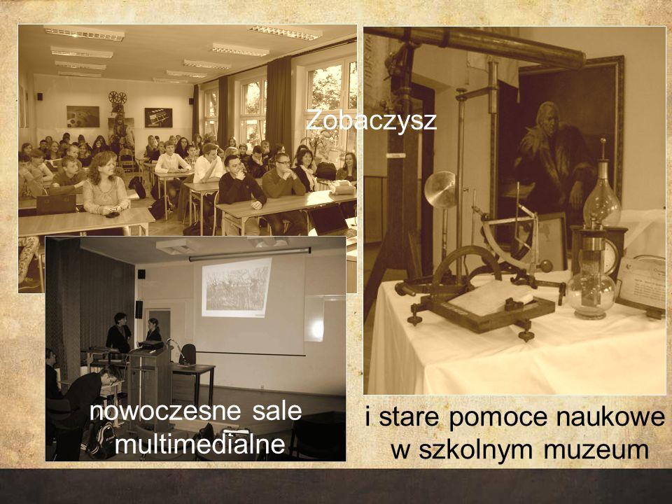 Zobaczysz nowoczesne sale multimedialne i stare pomoce naukowe w szkolnym muzeum