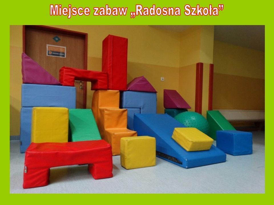 """Miejsce zabaw """"Radosna Szkoła"""