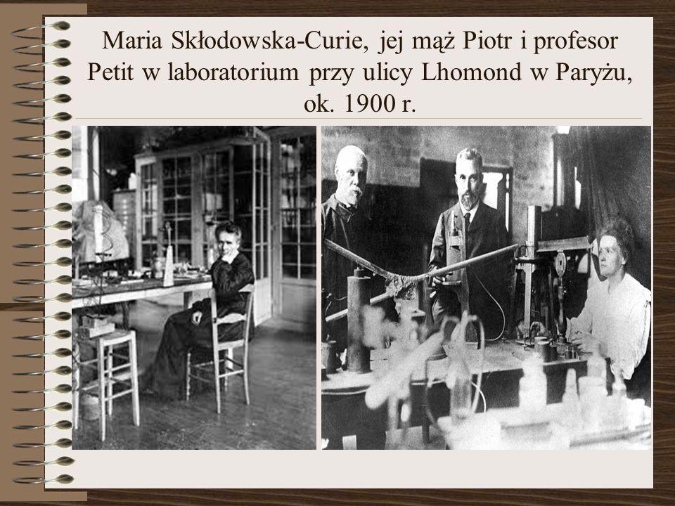 Maria Skłodowska-Curie, jej mąż Piotr i profesor Petit w laboratorium przy ulicy Lhomond w Paryżu, ok.