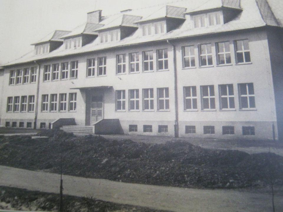 1949r – rozmowy dotyczące budowy szkoły
