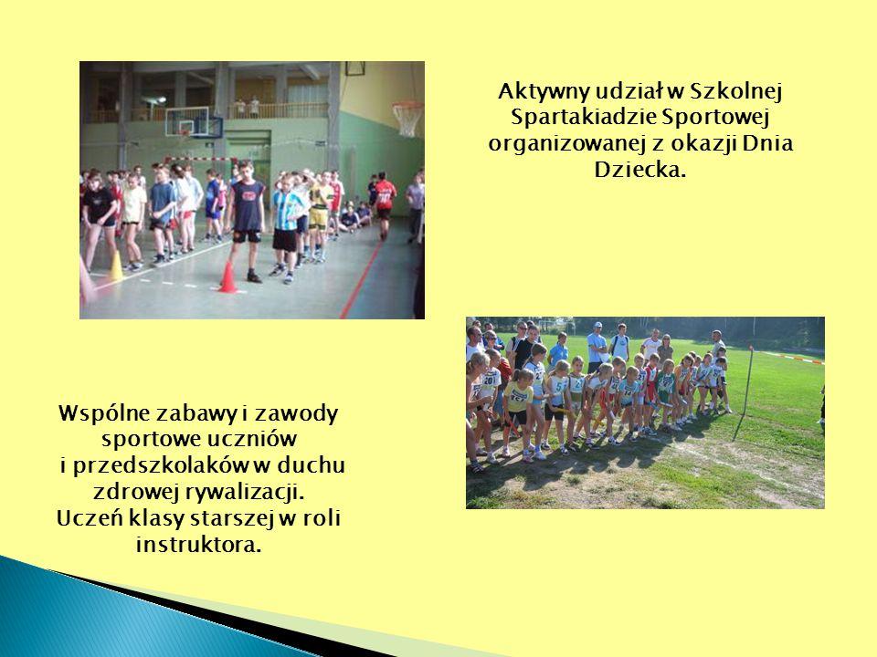 Wspólne zabawy i zawody sportowe uczniów