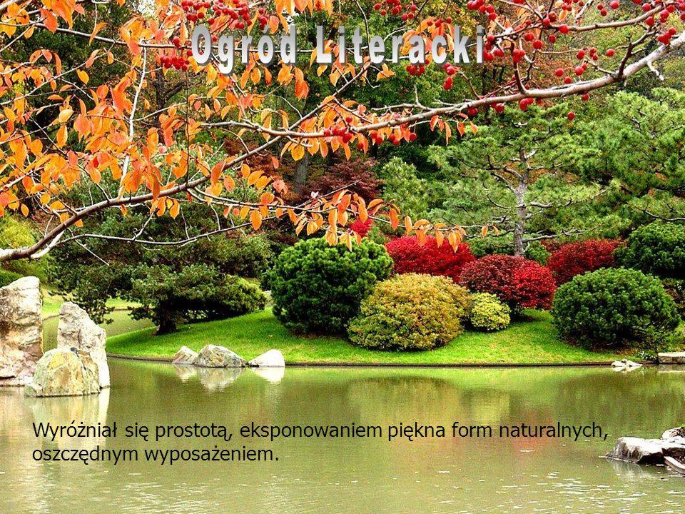 Ogród Literacki Wyróżniał się prostotą, eksponowaniem piękna form naturalnych, oszczędnym wyposażeniem.