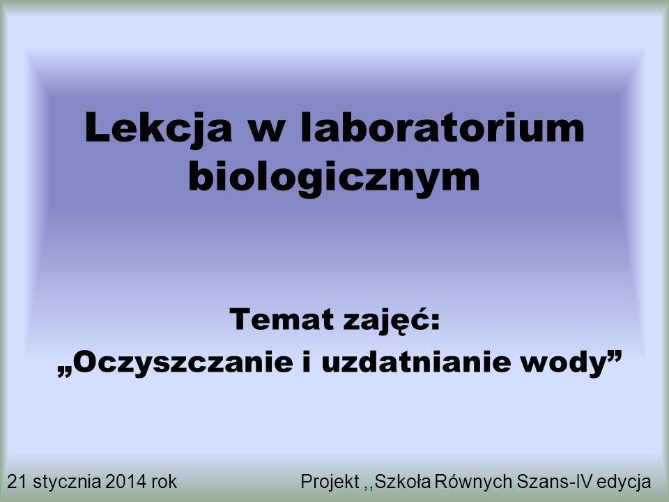 Lekcja w laboratorium biologicznym