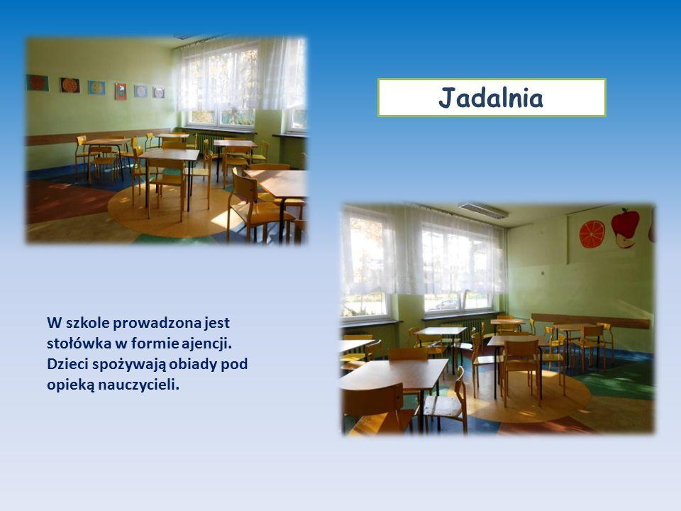 Jadalnia W szkole prowadzona jest stołówka w formie ajencji.