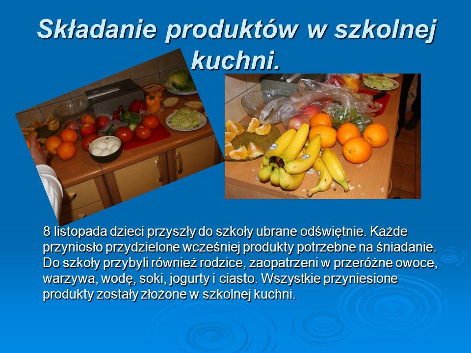 Składanie produktów w szkolnej kuchni.