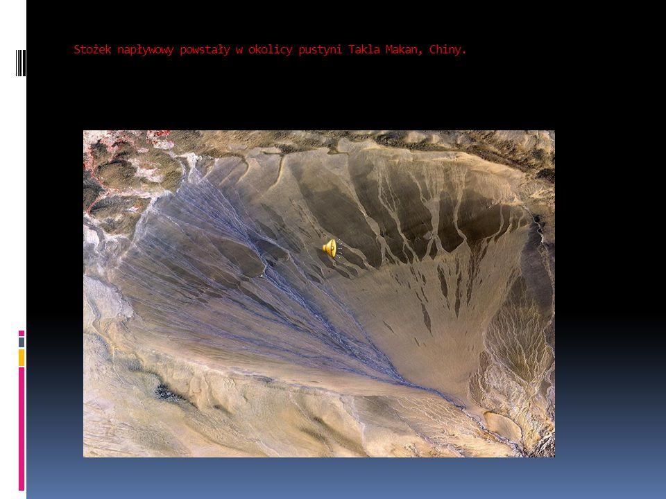 Stożek napływowy powstały w okolicy pustyni Takla Makan, Chiny.