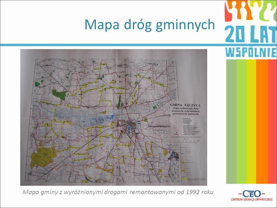 Mapa gminy z wyróżnionymi drogami remontowanymi od 1992 roku