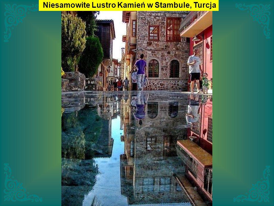 Niesamowite Lustro Kamień w Stambule, Turcja