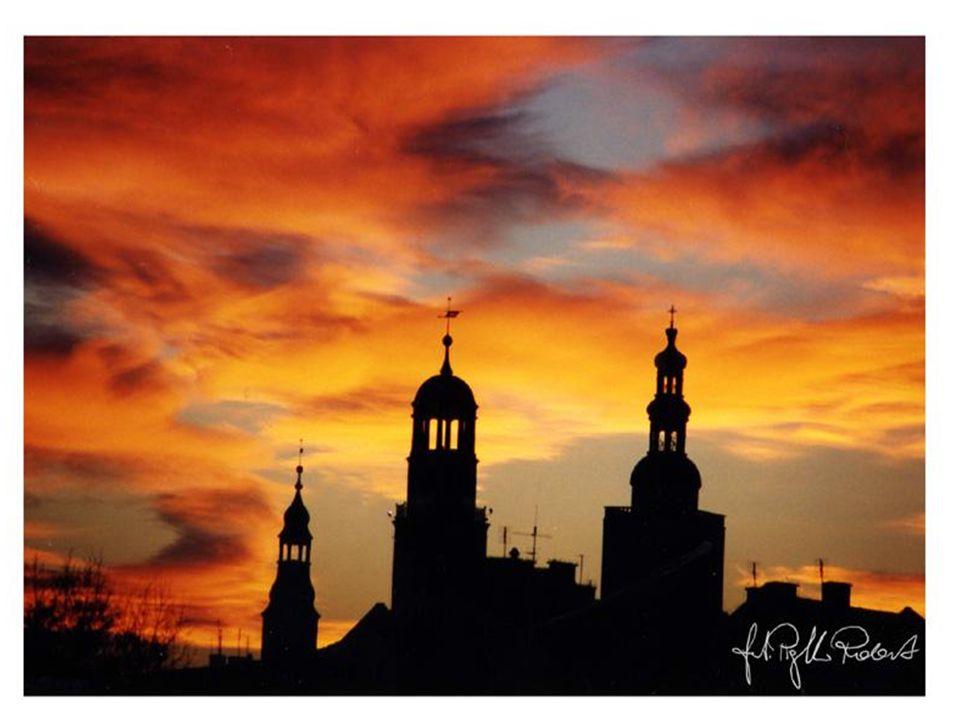 Miasto wież i róż Zostały wieże…