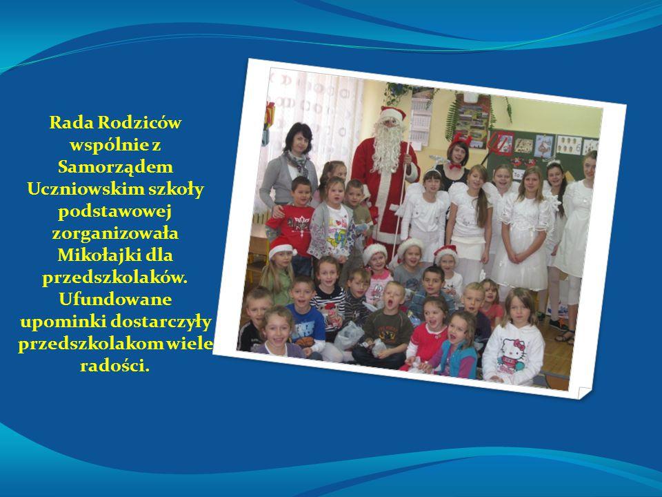 Rada Rodziców wspólnie z Samorządem Uczniowskim szkoły podstawowej zorganizowała Mikołajki dla przedszkolaków.