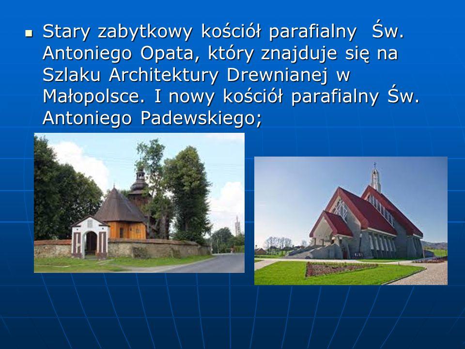 Stary zabytkowy kościół parafialny Św