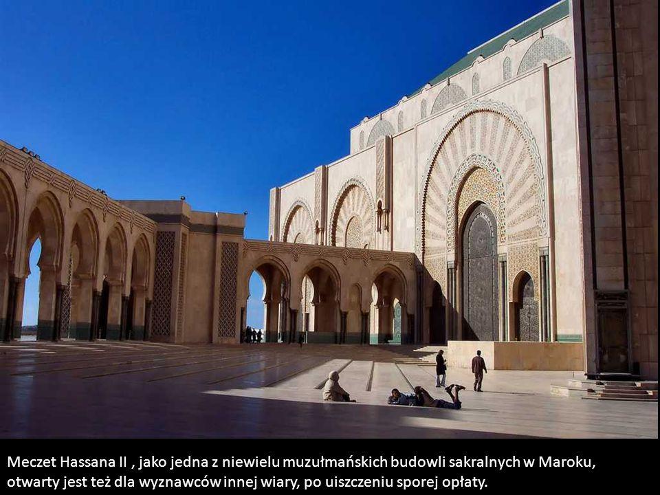 Meczet Hassana II , jako jedna z niewielu muzułmańskich budowli sakralnych w Maroku,