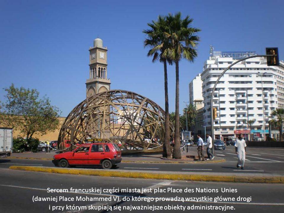 Sercem francuskiej części miasta jest plac Place des Nations Unies