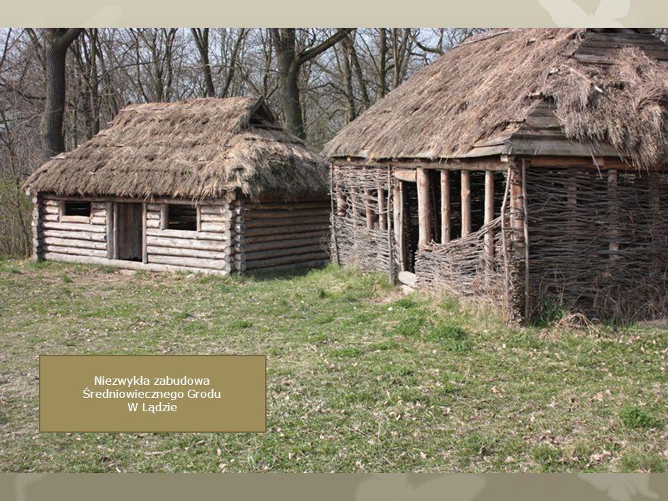 Niezwykła zabudowa Średniowiecznego Grodu