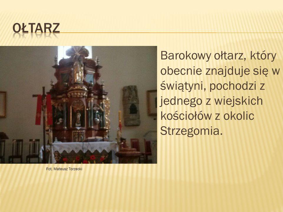 Ołtarz Barokowy ołtarz, który obecnie znajduje się w świątyni, pochodzi z jednego z wiejskich kościołów z okolic Strzegomia.