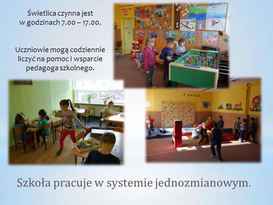Szkoła pracuje w systemie jednozmianowym.
