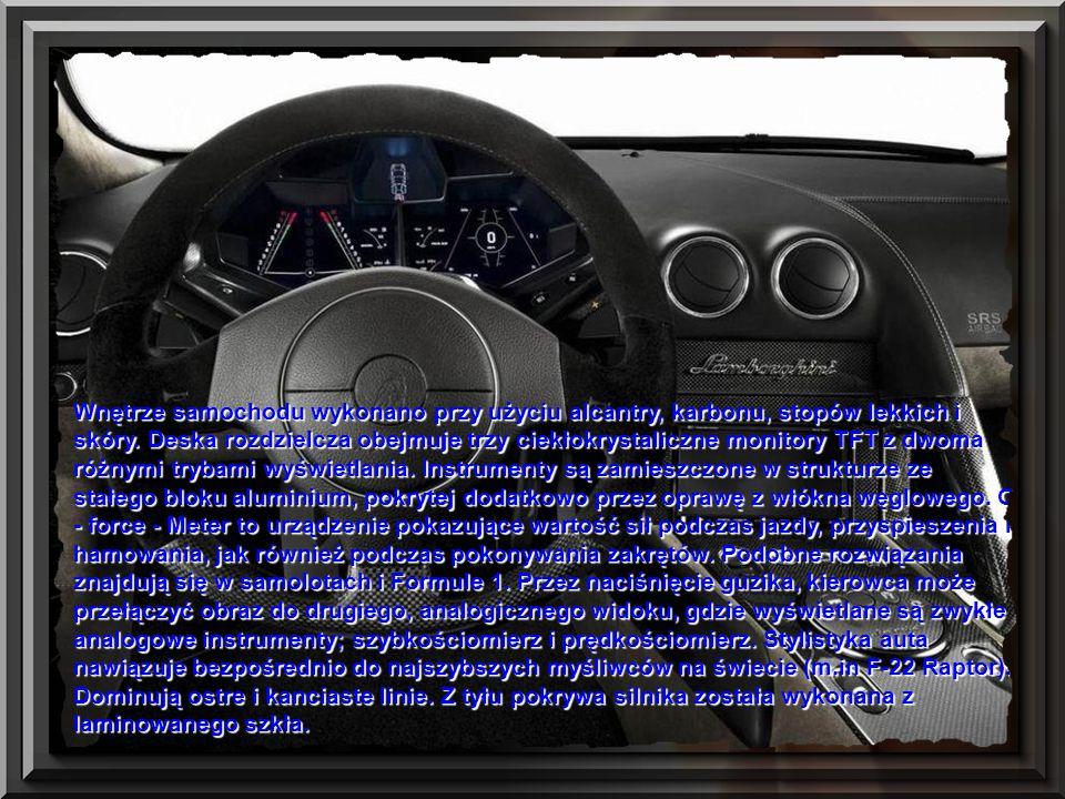Wnętrze samochodu wykonano przy użyciu alcantry, karbonu, stopów lekkich i skóry.