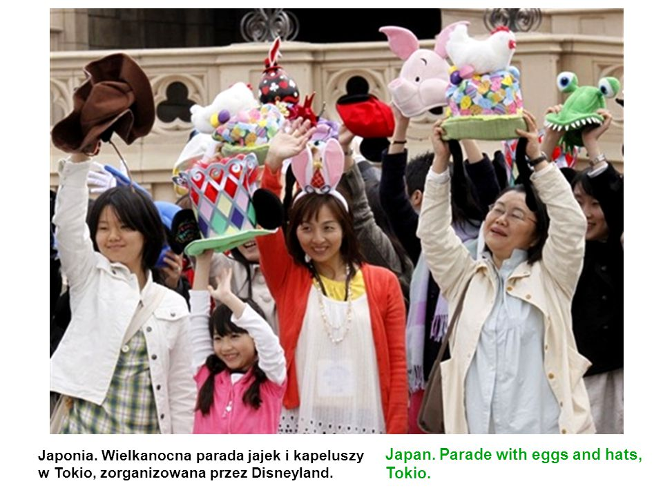 Japan. Parade with eggs and hats, Tokio.
