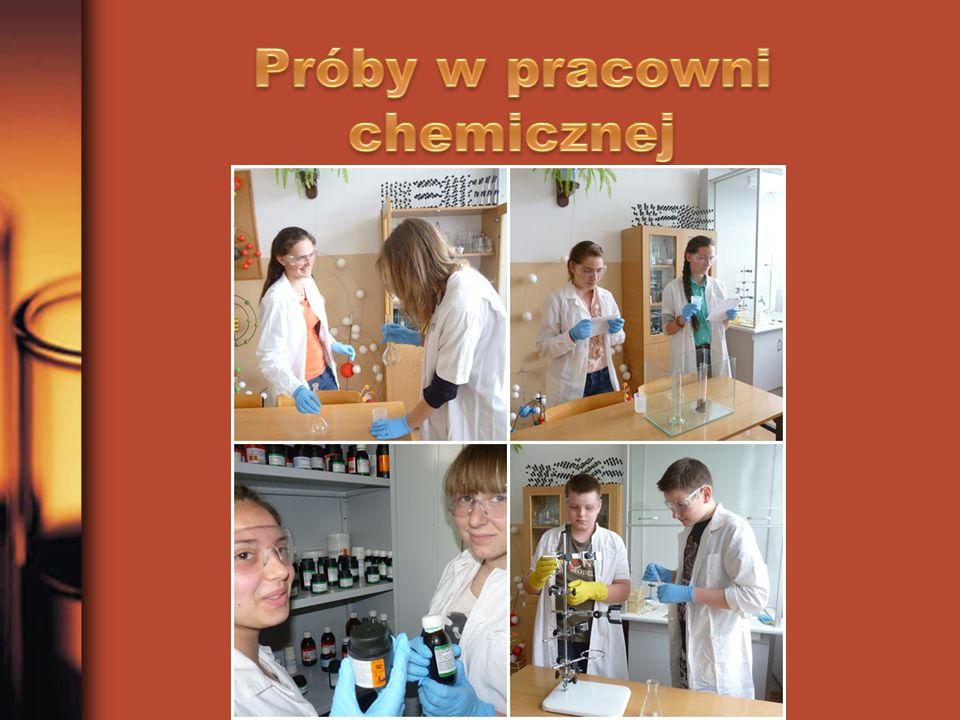 Próby w pracowni chemicznej