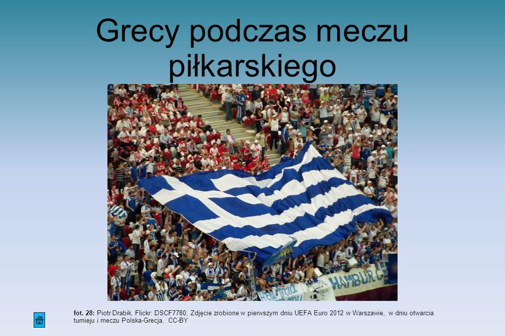 Grecy podczas meczu piłkarskiego