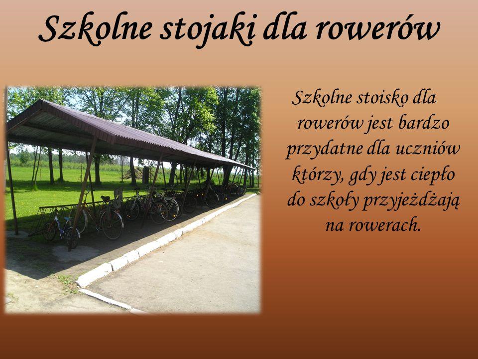 Szkolne stojaki dla rowerów