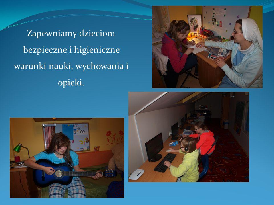 Zapewniamy dzieciom bezpieczne i higieniczne warunki nauki, wychowania i opieki.