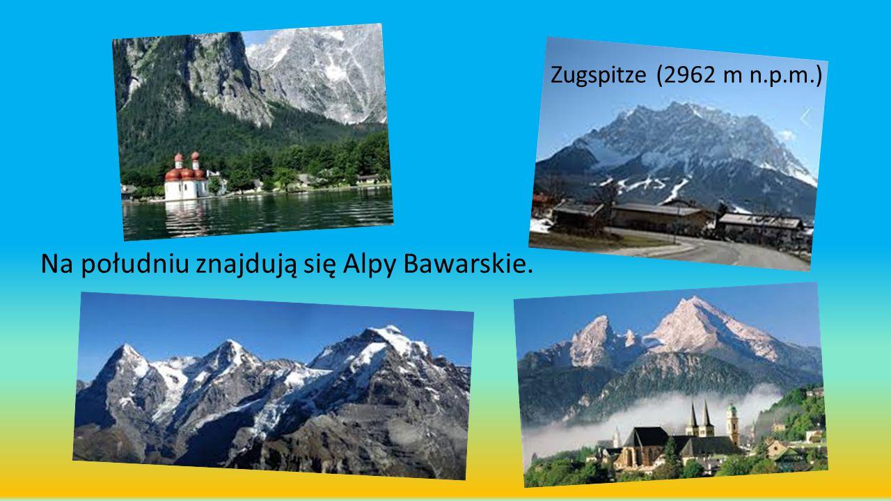 Na południu znajdują się Alpy Bawarskie.