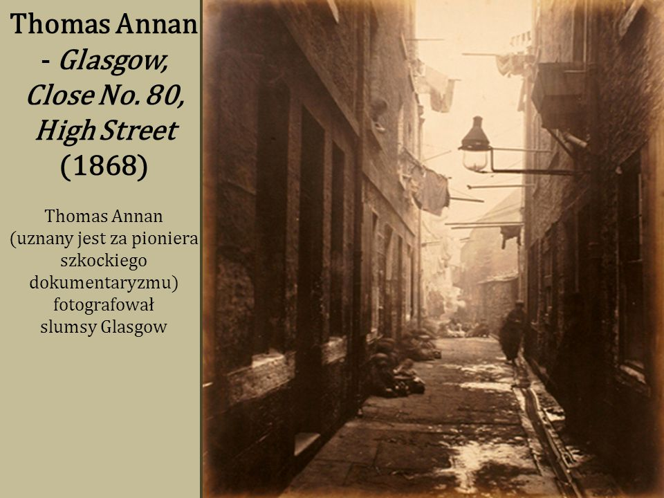Thomas Annan - Glasgow, Close No. 80, High Street (1868)