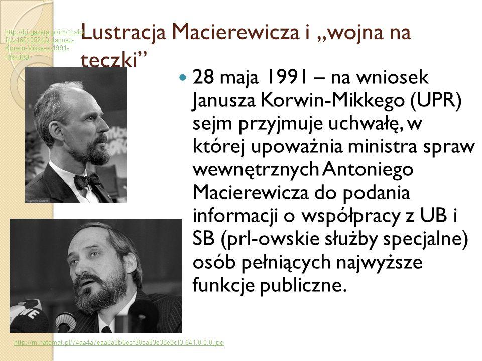 """Lustracja Macierewicza i """"wojna na teczki"""