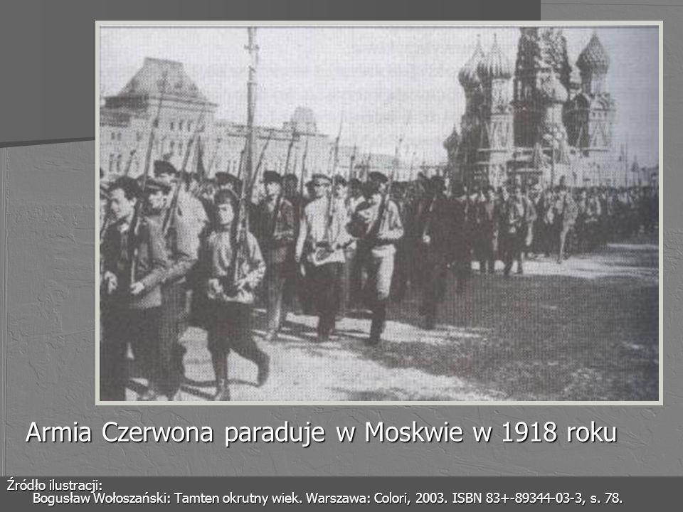 Armia Czerwona paraduje w Moskwie w 1918 roku