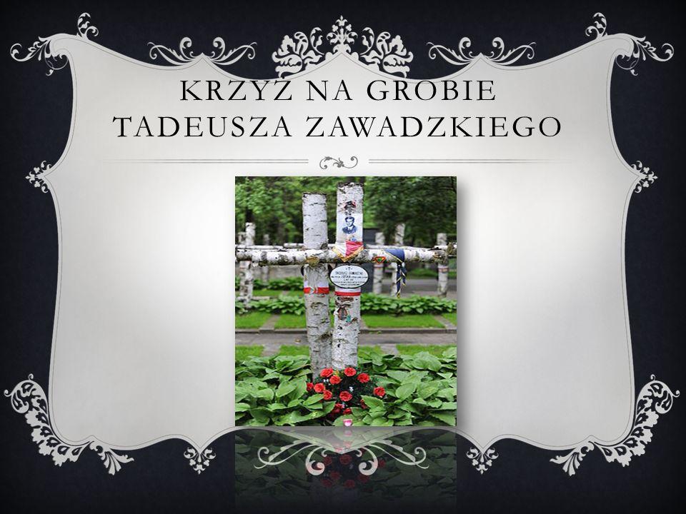 Krzyż na grobie Tadeusza Zawadzkiego