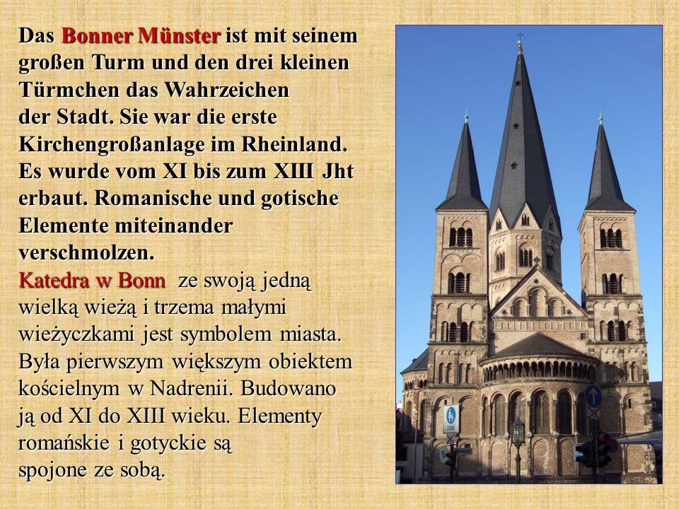 Das Bonner Münster ist mit seinem großen Turm und den drei kleinen Türmchen das Wahrzeichen der Stadt.