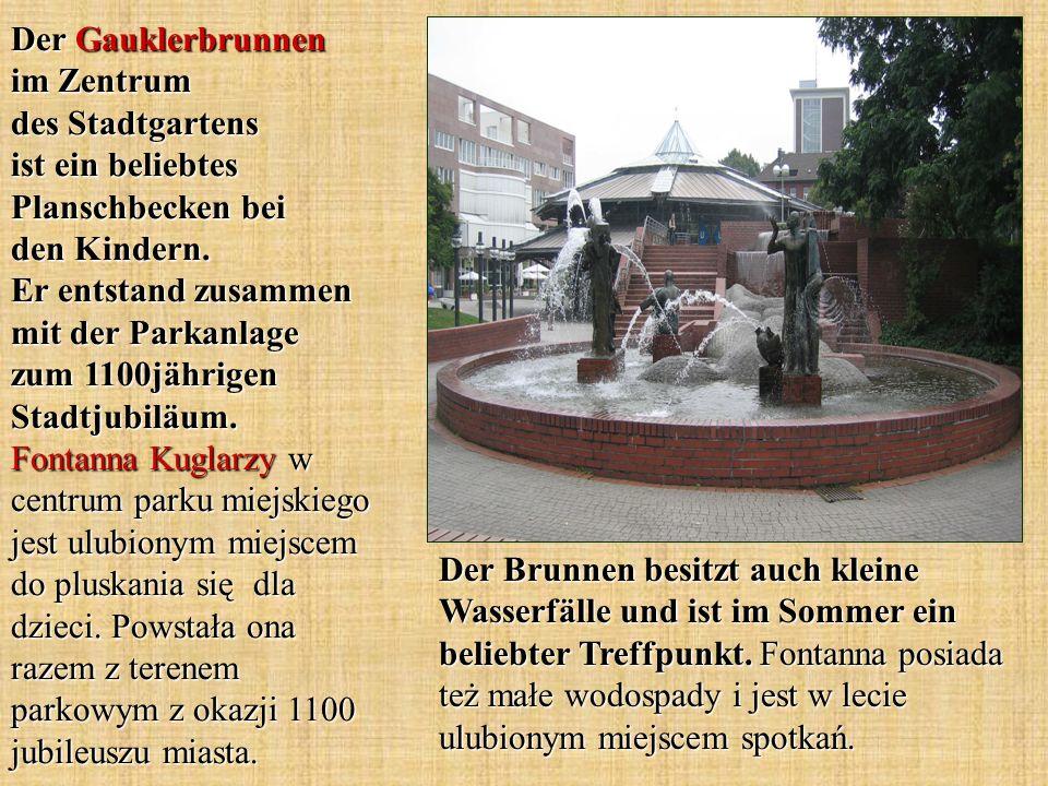 Der Gauklerbrunnen im Zentrum des Stadtgartens ist ein beliebtes Planschbecken bei den Kindern. Er entstand zusammen mit der Parkanlage zum 1100jährigen Stadtjubiläum. Fontanna Kuglarzy w centrum parku miejskiego jest ulubionym miejscem do pluskania się dla dzieci. Powstała ona razem z terenem parkowym z okazji 1100 jubileuszu miasta.