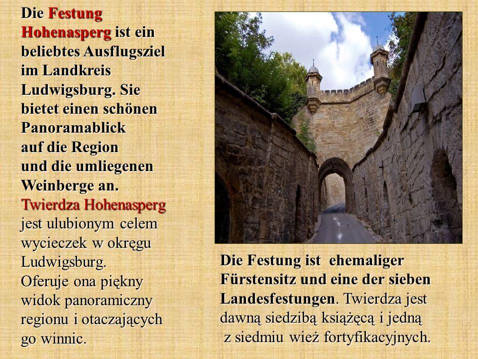 Die Festung Hohenasperg ist ein beliebtes Ausflugsziel im Landkreis Ludwigsburg. Sie bietet einen schönen Panoramablick auf die Region und die umliegenen Weinberge an. Twierdza Hohenasperg jest ulubionym celem wycieczek w okręgu Ludwigsburg. Oferuje ona piękny widok panoramiczny regionu i otaczających go winnic.