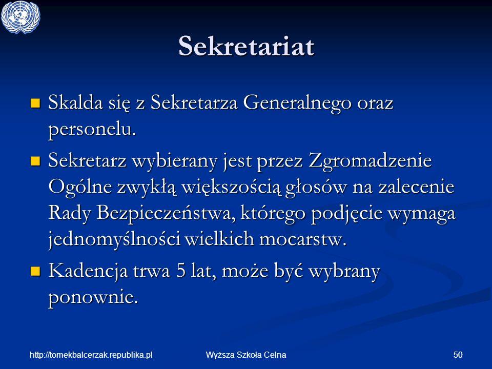Sekretariat Skalda się z Sekretarza Generalnego oraz personelu.