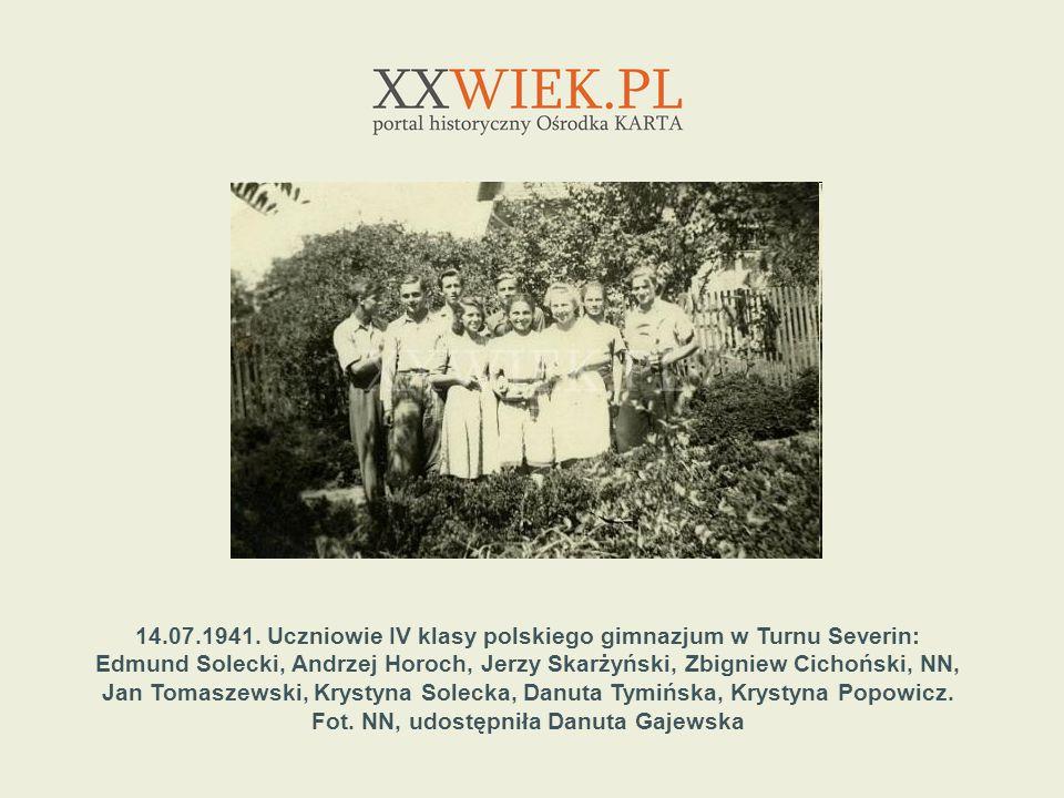 14.07.1941. Uczniowie IV klasy polskiego gimnazjum w Turnu Severin: